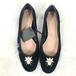 ZARA • Black Velvet Block Kitten Heels w/Brooch